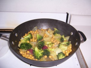 Broccoli & Chickpea Curry in the Pan